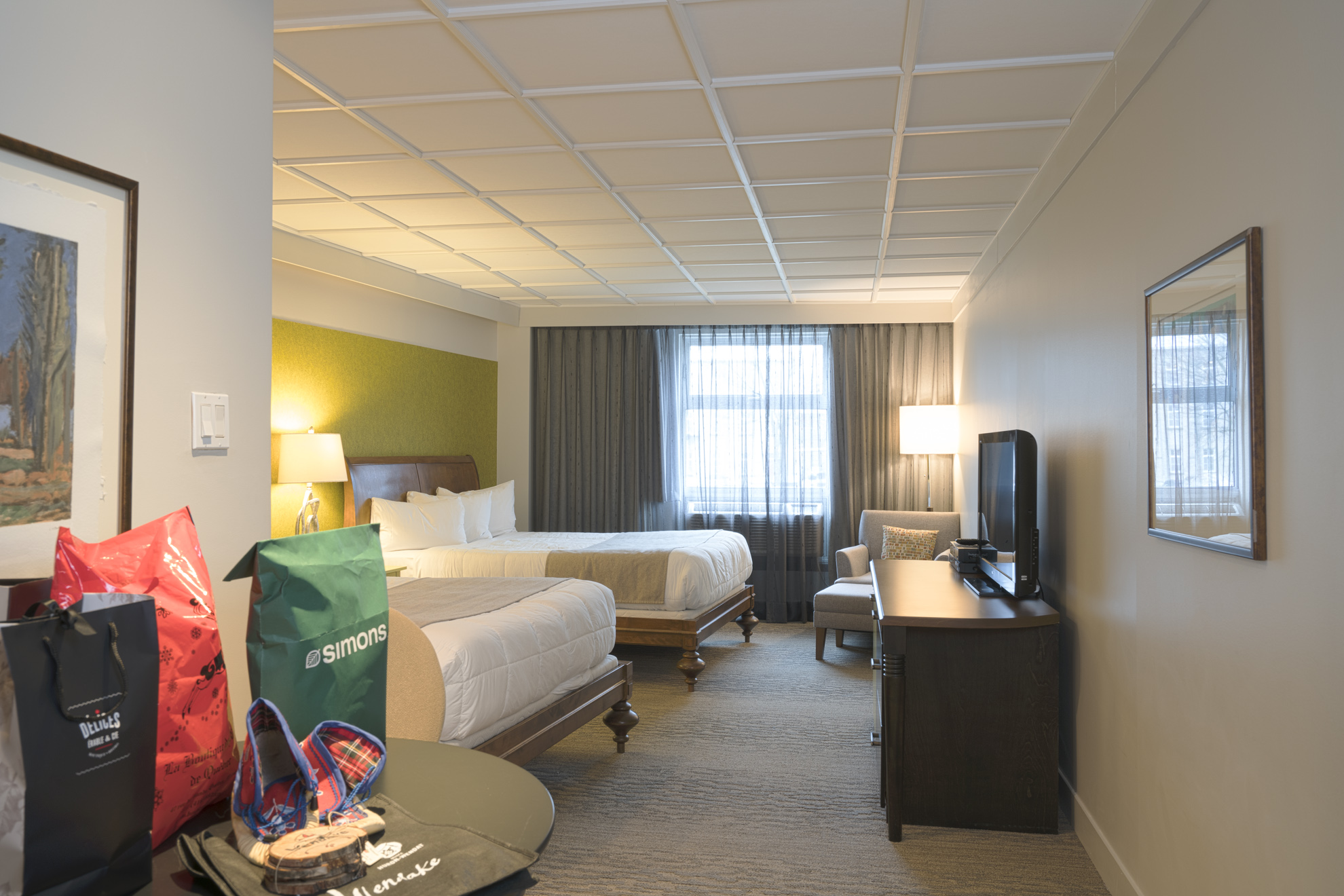 Deluxe Room With Two Beds Hotel Champlain In Qu Bec